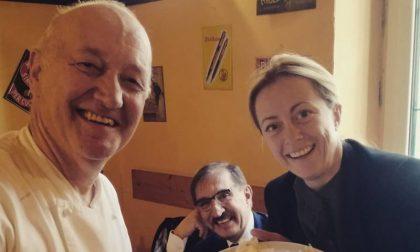 Al mercato di Lodi Giorgia Meloni, Daniela Santanché e la raccomandazione di una passante (video)