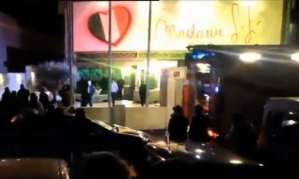 Incendio discoteca Desenzano ragazzi da Cremona nell'inferno Madame Sisi