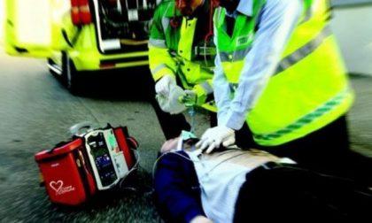 Tentato furto del defibrillatore vicino alla prefettura