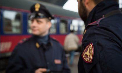 """Si fingono poliziotti e lo derubano: denunciati minacciano gli agenti con """"amici molto in alto"""""""