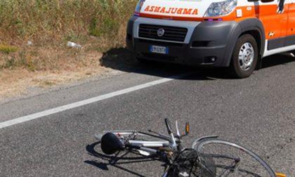 Ciclista investita, muore donna di 59anni