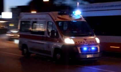 Aggressione in strada, 54enne in ospedale SIRENE DI NOTTE