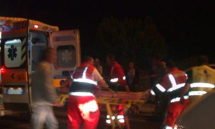 Scontro auto moto, tre feriti SIRENE DI NOTTE