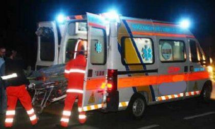 Fuori strada con l'auto a Maleo, 40enne in ospedale SIRENE DI NOTTE