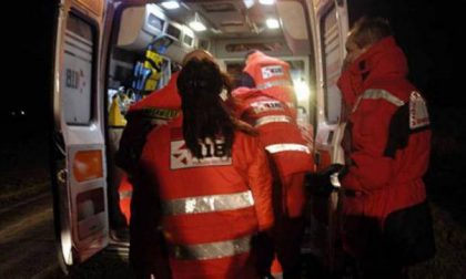 Caduta da moto, due giovani in ospedale SIRENE DI NOTTE