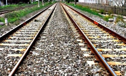 Donna perde la vita investita dal treno. Bloccata la Pavia-Codogno
