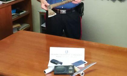 Arrestato pusher marocchino irregolare che girava con un'ascia