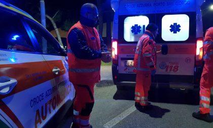 Auto ribaltata a Merlino, 30enne in ospedale SIRENE DI NOTTE