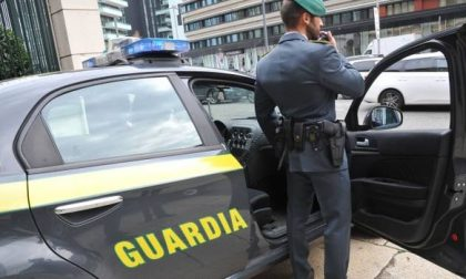 Mascherine abusive, inseguimenti e prezzi da aguzzini: i controlli delle Fiamme Gialle in Lombardia