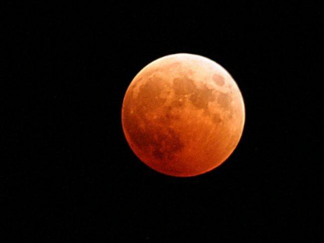 Lo spettacolo dell'eclissi di Luna da Capodimonte: appuntamento all'Osservatorio