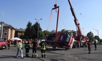 Esercitazione a Melegnano, si ribalta autobotte pompieri VIDEO e FOTO