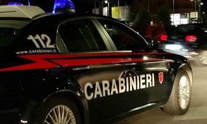 Coppia ubriaca e molesta al Mc Donald's: insulti e spintoni ai carabinieri