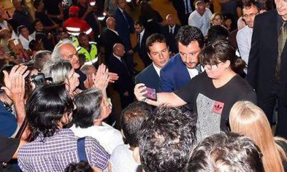 "Frankie hi-nrg vs Salvini ""I selfie ai funerali di Stato, i selfie…"""