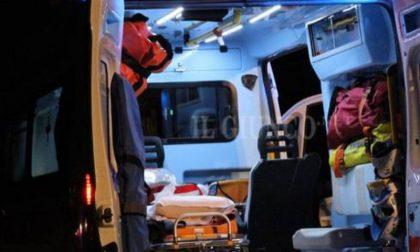 Si ribalta con l'auto soccorso 18enne SIRENE DI NOTTE
