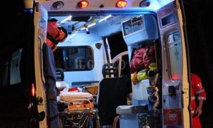 Auto contro un ostacolo, soccorse due persone SIRENE DI NOTTE
