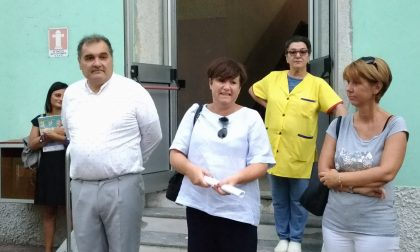 Primo giorno di scuola: sindaco Casanova e assessore Molinari fra i bimbi