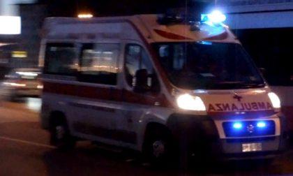 Fuori strada con l'auto, 31enne in ospedale SIRENE DI NOTTE