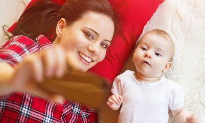Figli minorenni sui social: vietata ai genitori la pubblicazione di foto