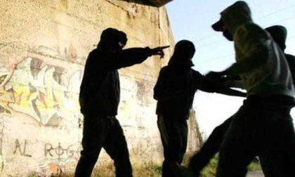 Baby gang tra rapine, cocaina e bella vita nel Lodigiano: arrestato 15enne