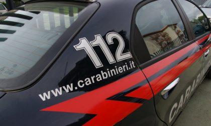 Rissa di vicinato: insulta i carabinieri e rifiuta di farsi identificare
