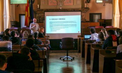Educazione civica ai giovani studenti di Lodi: in cattedra anche il vicesindaco Maggi