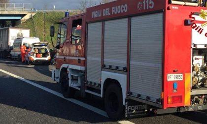 Incidente A1 tra Casale e Lodi: 18enne e 15enne in ospedale, strada chiusa