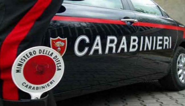 Omicidio nel milanese: uccide a coltellate il rivale in amore