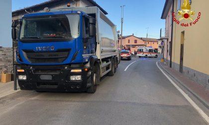 Tragedia a Marudo: muore una donna travolta dal camion dei rifiuti
