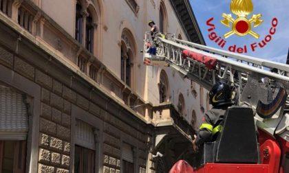 Crollo intonaco dal Palazzo della Prefettura, la Casanova aggiorna sui lavori
