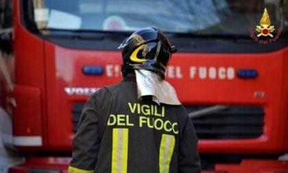 Tragedia nella Bassa: incendia la sede della polizia locale, 2 morti e 19 feriti