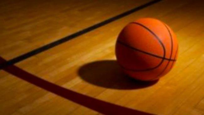 Insulti razzisti dai genitori avversari alla partita di basket di 13enni