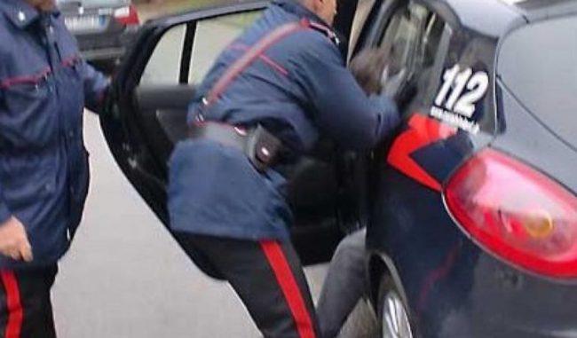 Fermato per caso dai Carabinieri viene scoperto con 66 grammi di cocaina in tasca