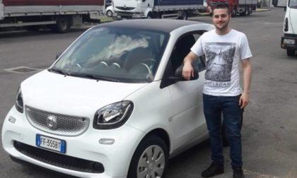 Stefano Marinoni, 22 anni, esce di casa e scompare nel nulla: allarme nel Milanese