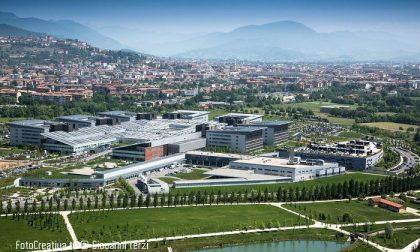 Ragazza bruciata viva in ospedale a Bergamo: è ancora mistero fitto