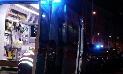 Scontro tra due auto, tre persone soccorse a Cornegliano Laudense SIRENE DI NOTTE