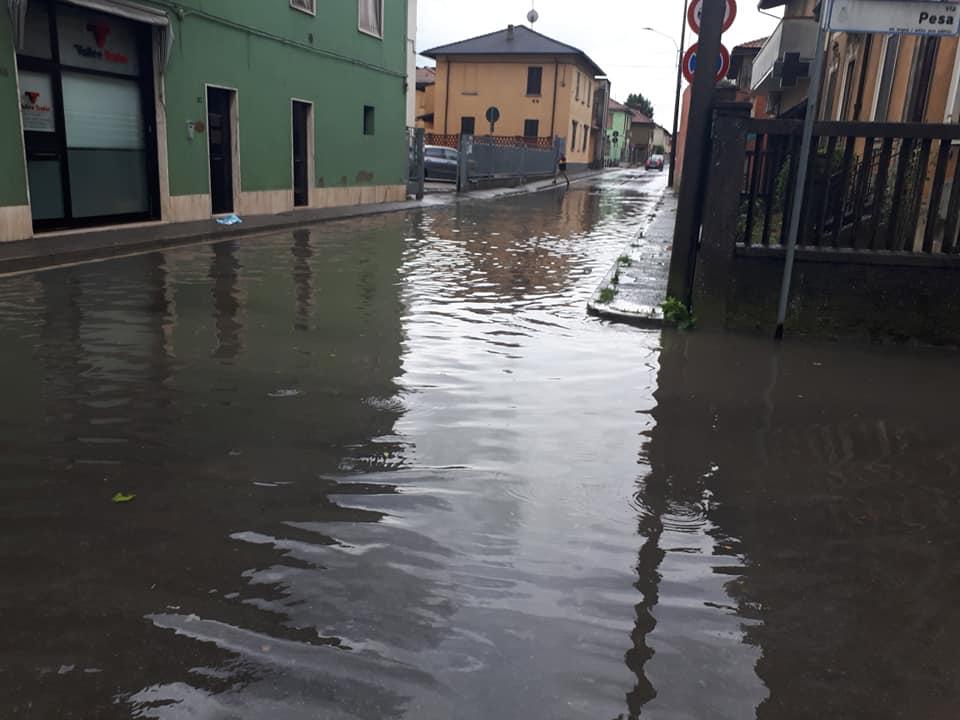 Maltempo devastante nel Lodigiano, allagamenti e tromba d'aria VIDEO E FOTO