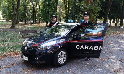 Movimenti sospetti a cascina Belfuggito: ritrovata un'auto e merce rubata dal valore di 20mila euro