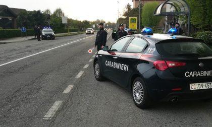 Alla guida di un motorino rubato e senza patente non si ferma all'Alt dei Carabinieri