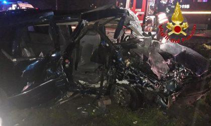 Tragedia a Casaletto: 16enne muore nello schianto, altri 4 feriti