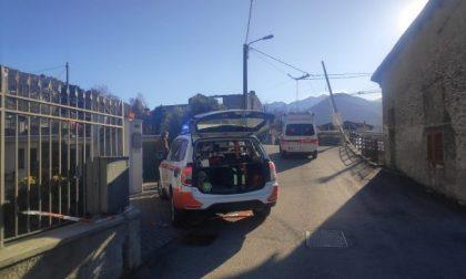 Il vento forte fa una vittima in Lombardia: 77enne colpita da un tetto scoperchiato