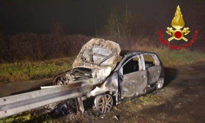 Quattro auto incidentate sull'A1 e sulla Sp 145 un'auto in fiamme
