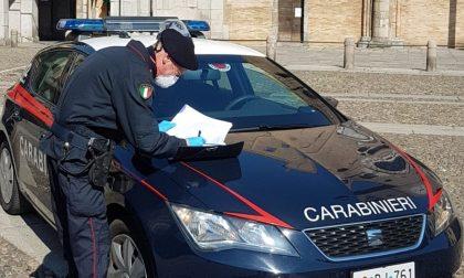 Fermati in cinque su un'auto con della cocaina nascosta: la paura del virus non li ferma, i Carabinieri sì