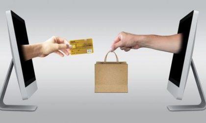 Su ricorso dei sindacati il TAR blocca l'e-commerce (non essenziale) in Lombardia