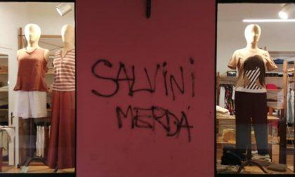 Dopo la visita di Salvini in Piazza Novello compaiono scritte contro di lui
