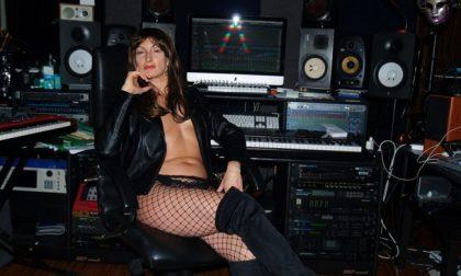Dalla scuola al porno, ora Melissa Falko si dà alla musica (e canterà nuda)