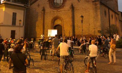 """In tantissimi scesi in piazza contro l'Esselunga: """"Non vogliamo che Lodi sia distaccamento dell'hinterland milanese"""" FOTO"""
