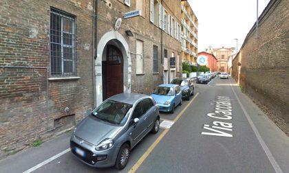 Sequestrata un'intera caserma, carabinieri arrestati: spaccio, estorsione e tortura
