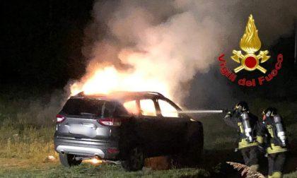 Incendiata auto rubata, l'intervento dei VVF a Sant'Angelo