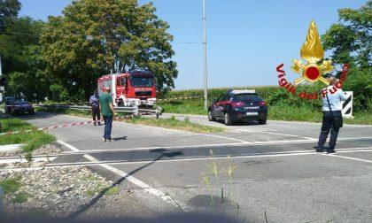 Ferragosto di sangue: 34enne alla guida di un'auto investita da un treno a Maleo FOTO