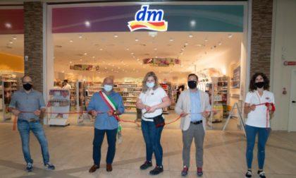 """Inaugurato il nuovo drugstore marchio """"Dm"""" a San Rocco al Porto"""